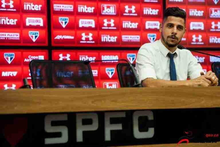 西西尼奥宣布正式从巴西队退役