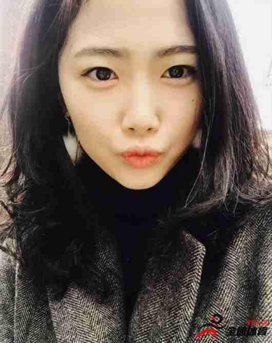 李玟娥和赵丽娜谁长得更好看