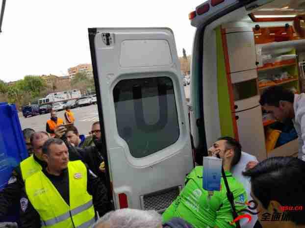 迭戈洛佩斯因冲撞受伤被紧急送往医院