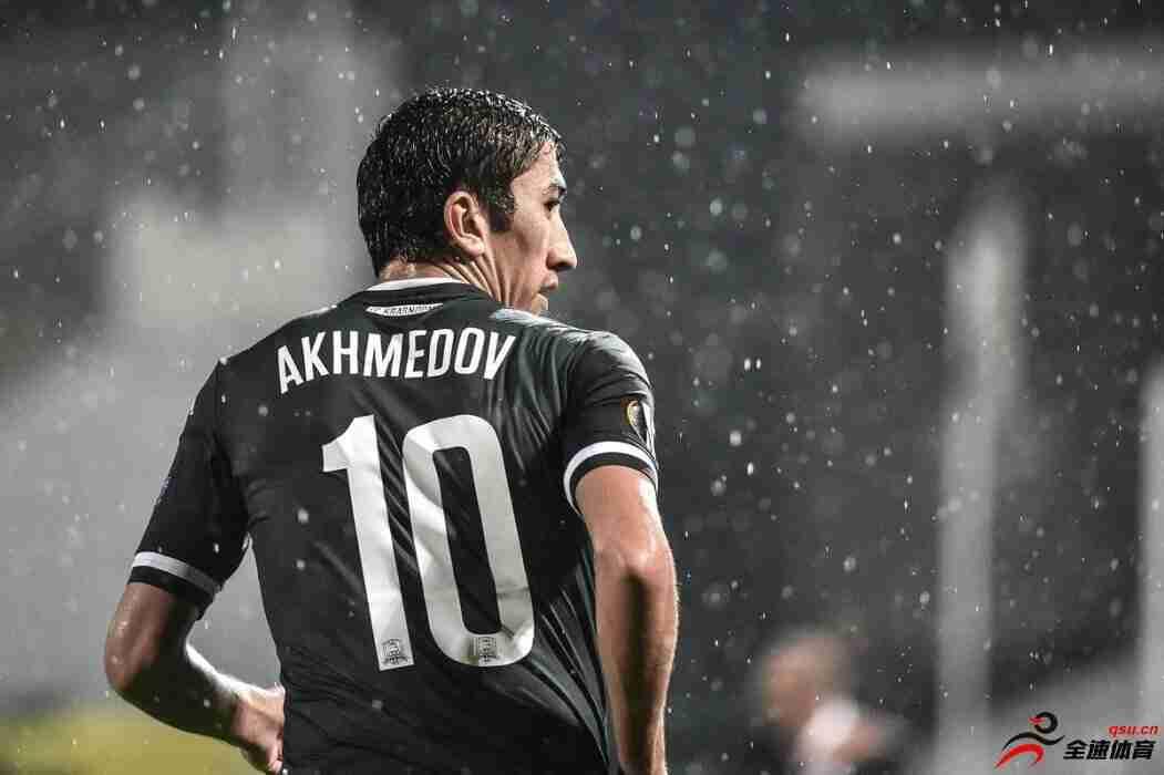 艾哈迈多夫球员生涯传记