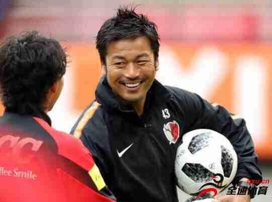 日本球星柳泽敦因私下会球迷而递交辞呈