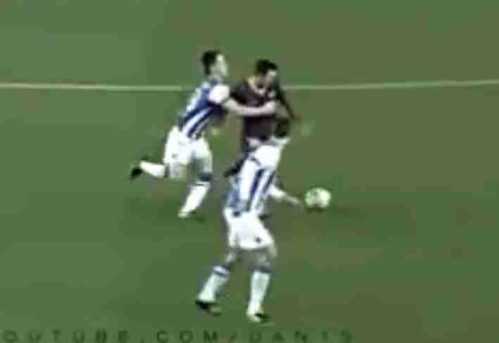 十个足球比赛搞笑犯规视频