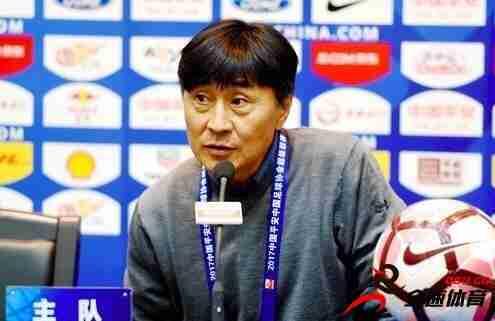贾秀全确认女足将军训 否认世界杯目标进四强
