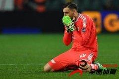 多纳鲁马因失误再被球迷羞辱