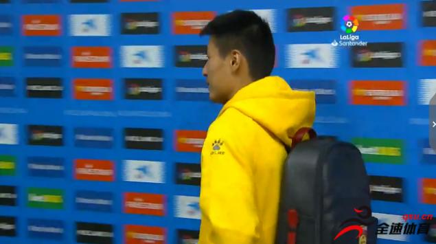 武磊每场比赛都会带上印有中国男足队徽的背
