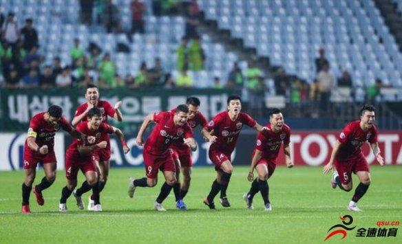 上港在2019年亚冠1/8决赛中打败全北现代,华