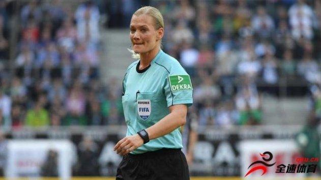 德甲女裁判比比安娜的两次判罚都在随后被var更改