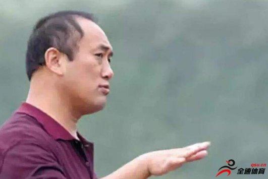 大王涛:栾义军不管是做人还是踢球都是无可挑剔的