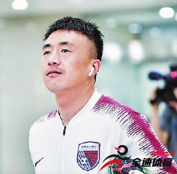 王永珀转会到上海申花,期待他的表现吧