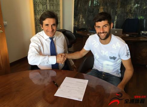 都灵官方宣布,他们已经与21岁的意大利中场贝纳西续约到2021年