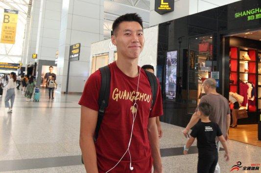王靖斌凭借上佳的表现逐渐占据了球队主力的