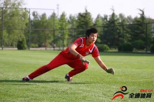 张艳茹:因为教练挖掘而选足球