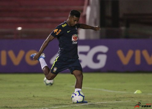 蒂特:罗德里戈是一名出类拔萃的年轻球员