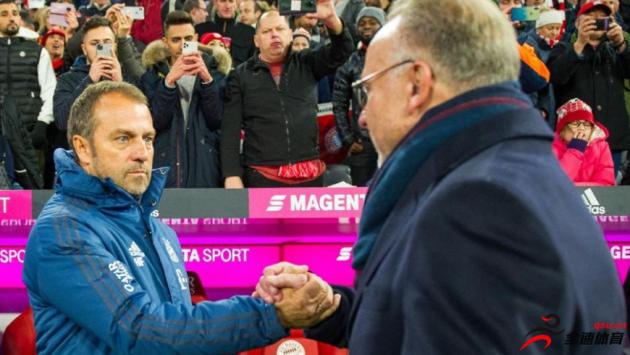 拜仁慕尼黑CEO鲁梅尼格日前称赞了留任的主帅弗里克