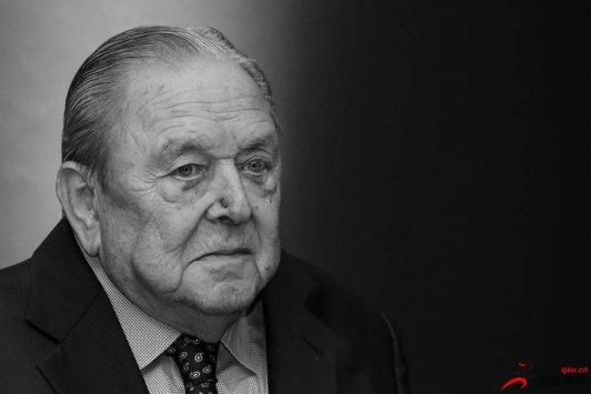 欧冠联赛创始人约翰松在家园瑞典与世长辞