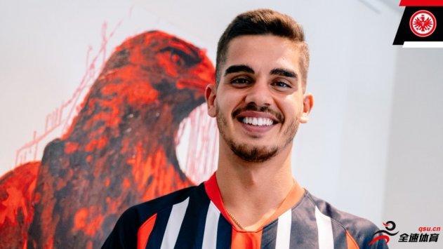 法兰克福租借AC米兰前锋安德烈-席尔瓦两个赛季