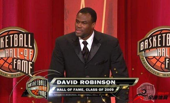 大卫-罗宾逊20投12中,狂砍34分10篮板10助攻10盖帽
