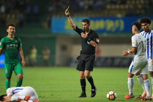 """国足6月份的两场热身赛将由""""亚洲金哨""""伊尔马托夫团队执法"""