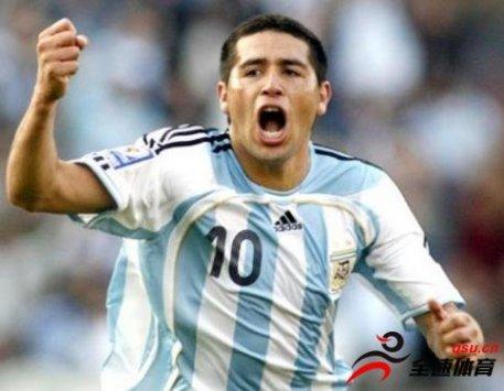 阿根廷足球史上的7位球星