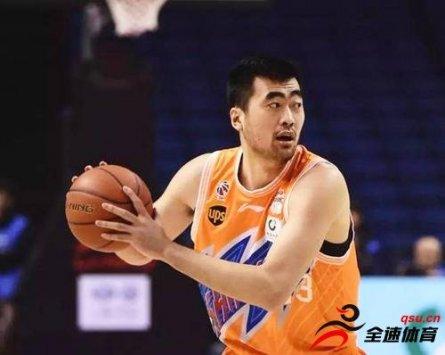 张兆旭终获上岗证 他受伤导致上海战绩不佳
