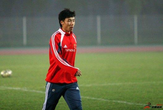 记者谈陈涛退役:中国足球大环境易造就伤仲永角色