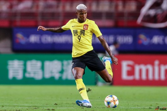 经纪人否认塔利斯卡回到巴西踢球:任何传言都没有意义