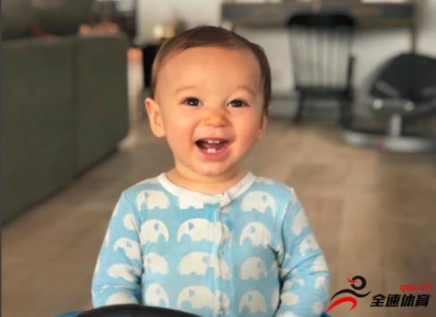 史蒂夫纳什在个人Instagram晒出小儿子照片并祝