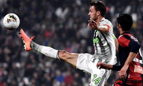 《米兰体育报》的消息,罗马拒绝签下鲁加尼