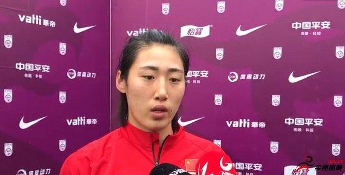 彭诗梦:我觉得守门员就是半个队吧