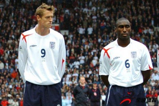 克劳奇:很难把热刺的贝尔和英格兰国家队的