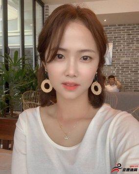 韩国女足球员李玟娥在社交媒体上晒出了自己的近照