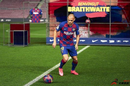丹麦前锋布莱斯维特在加盟巴萨后出场机会不