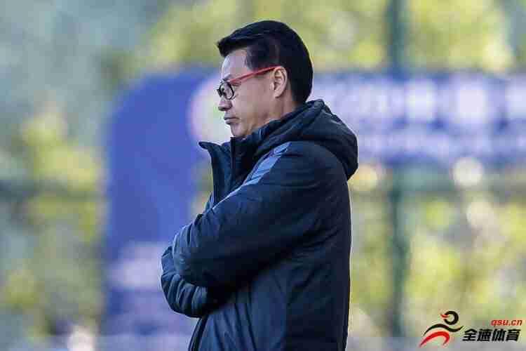 中超青岛黄海队官方宣布与吴金贵及教练组完成续约
