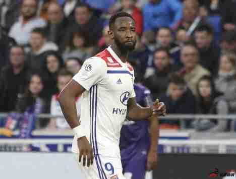 马竞已经为里昂前锋穆萨-登贝莱提供报价