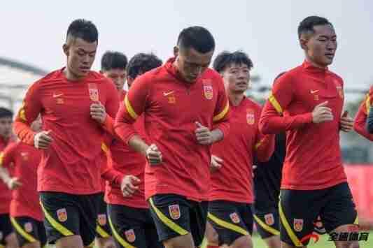 国脚面对国足集训的大训练量时,都出现了一些疲劳的反应