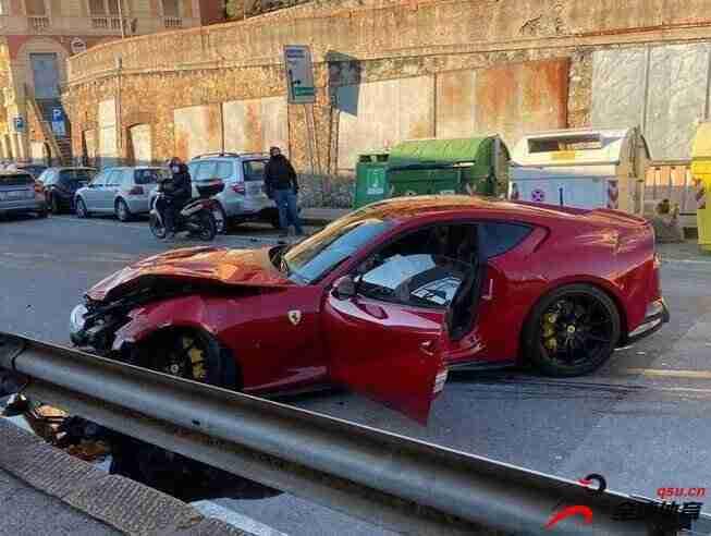 热那亚门将马尔凯蒂的法拉利跑车被洗车店员工不小心撞毁了