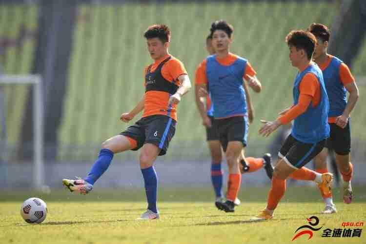 山东泰山与广州城将在明天进行一场热身赛