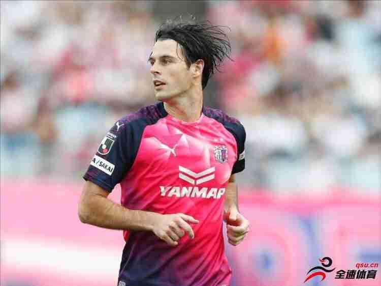 大阪樱花此前宣布外援约尼奇离队,球员将加盟上海申花