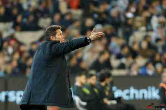 马竞在西蒙尼执教球队后首次在欧冠淘汰赛中主场输球
