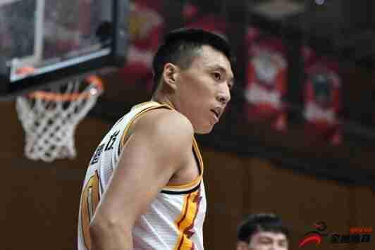 山西国投职业篮球与后卫田桂森达成了买断协议