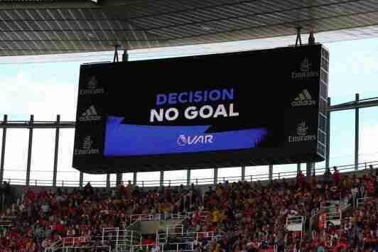 英超将制定计划改进VAR,具体措施将于下赛季