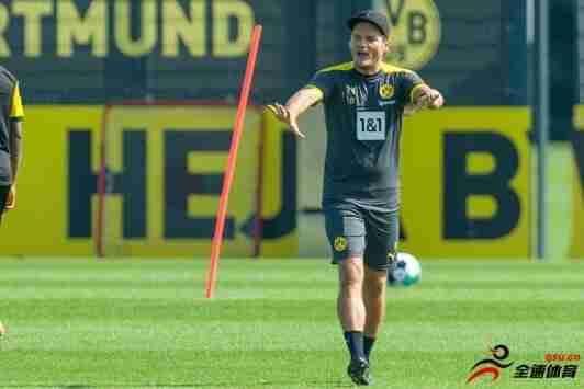 在客场战胜狼堡后,泰尔齐奇曾奖励给多特球员汉堡和薯条