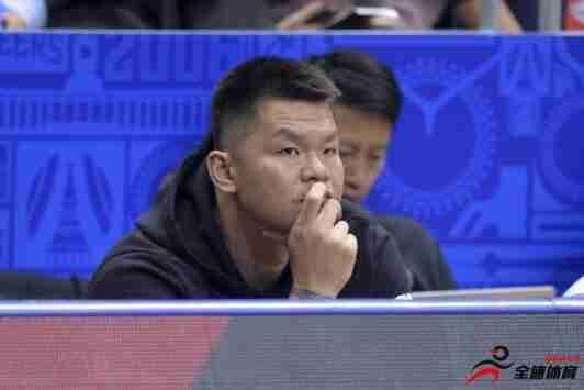 广州富力俱乐部成立十周年,男篮名宿朱芳雨