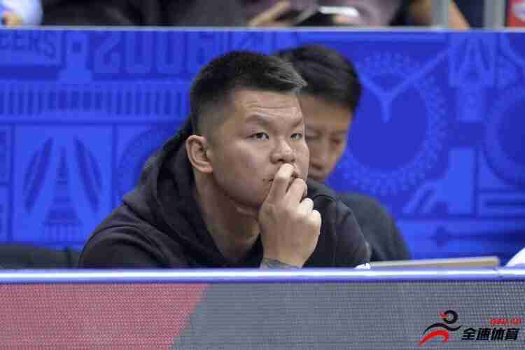 广州富力俱乐部成立十周年,男篮名宿朱芳雨送祝福