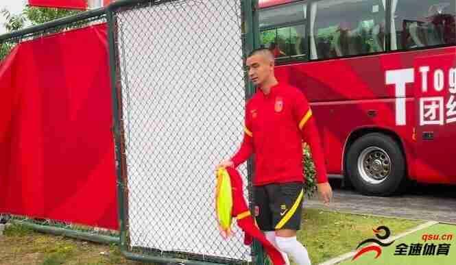 吉翔等3名补招球员已经抵达苏州,并参加了国足训练课