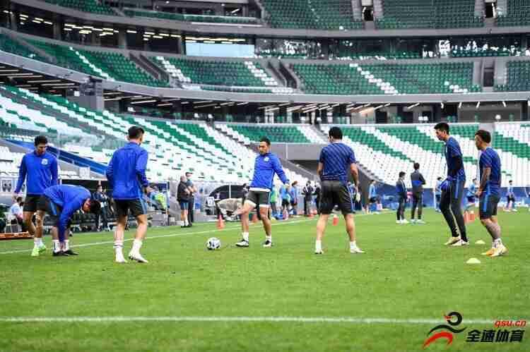 申花队员:高温天气比赛大家一视同仁 意大利实用踢法值得学习