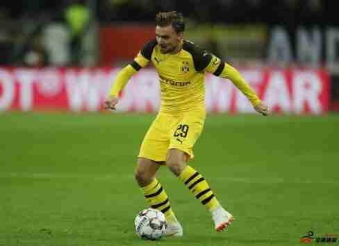 多特已与施梅尔策续约1年,此前合约到期仍让他留队养伤