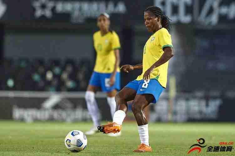 巴西女足国脚福米加参加7届奥运会,团队运动选手首人
