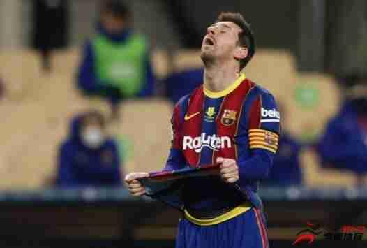 自08年从罗纳尔迪尼奥手中接过10号球衣,梅西就一直是球衣的主人