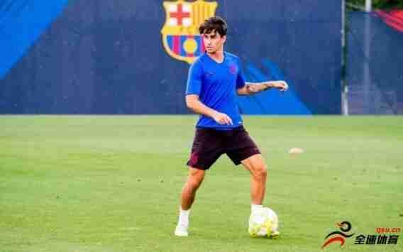 巴萨小将前锋阿莱士-科拉多今夏不打算离开球队